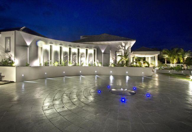 Villa in Terres Basses - C'est La Vie